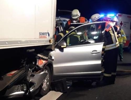 Auffahrunfall: Fahrer verletzt